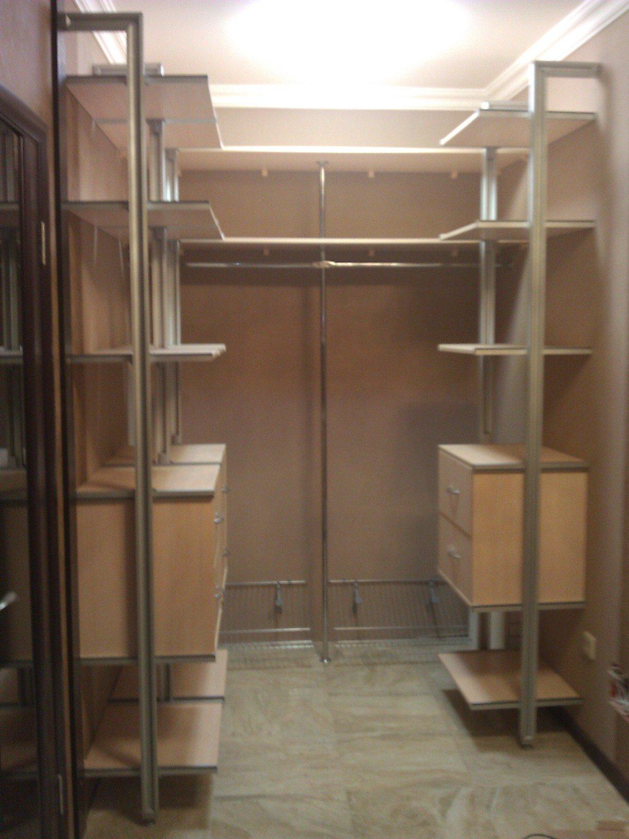 Гардеробные комнаты на заказ по индивидуальным размерам wood.