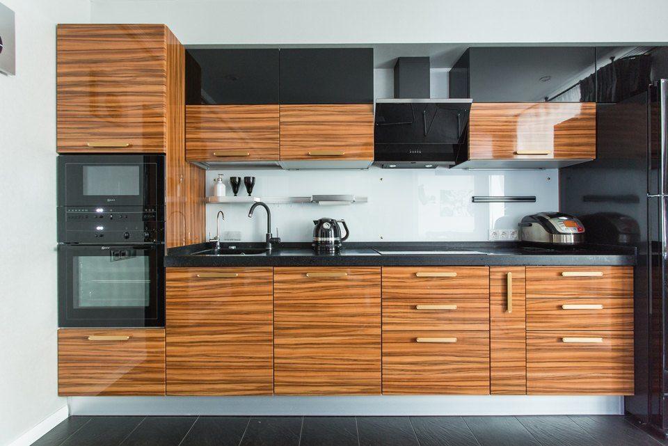 верных друзей, древесные фасады кухни фото одного