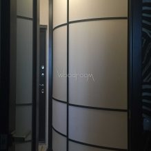 Встроенный радиусный шкаф купе в прихожую Краснобогатырская
