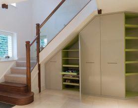 merdiven-alti-icin-farkli-depolama-dekorasyon-fikirleri-9