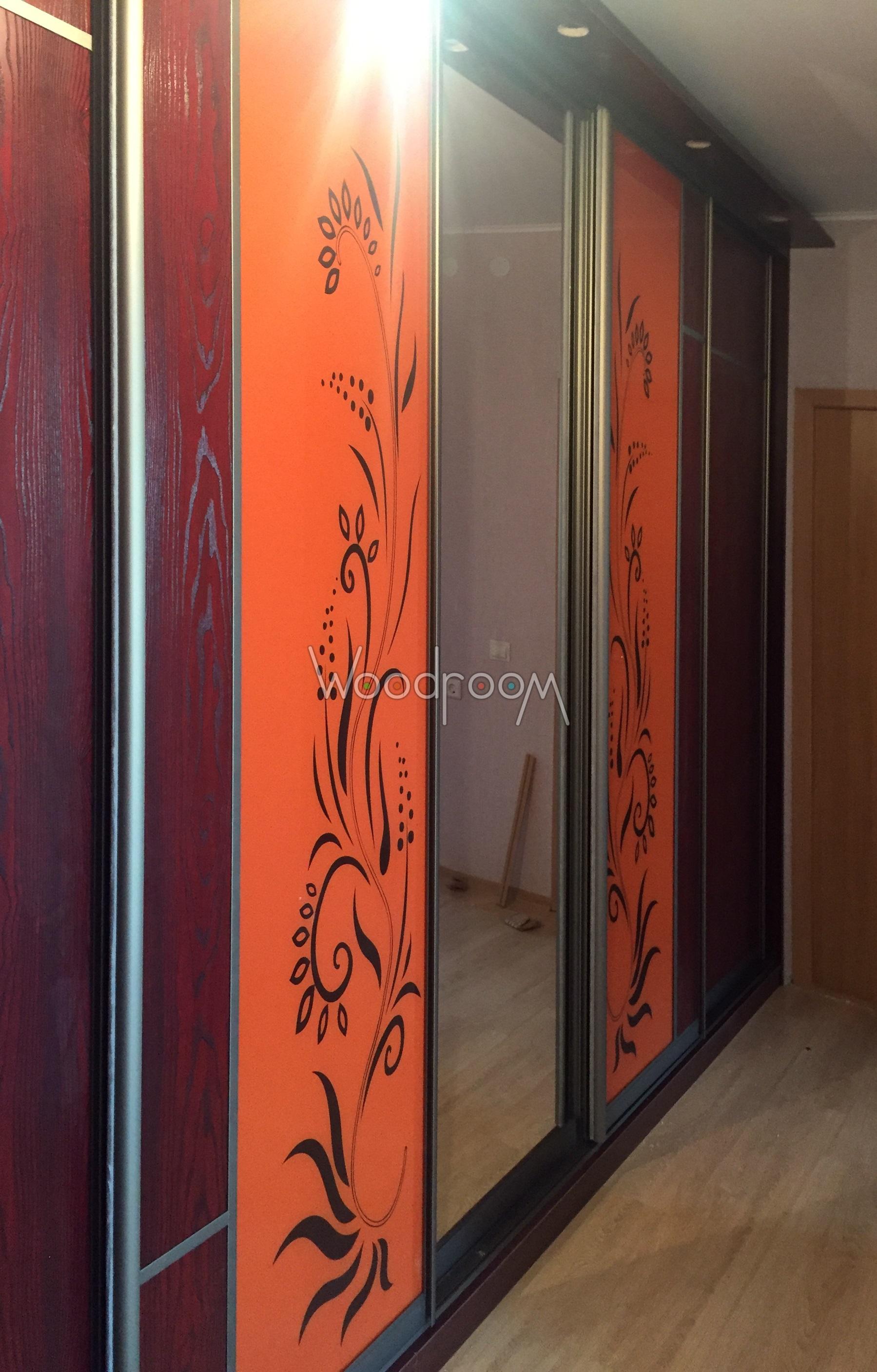 двери с крашеным пескоструйным рисунком
